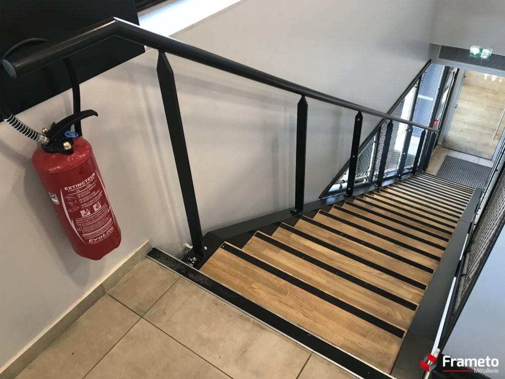 Escalier marche bois + garde corps